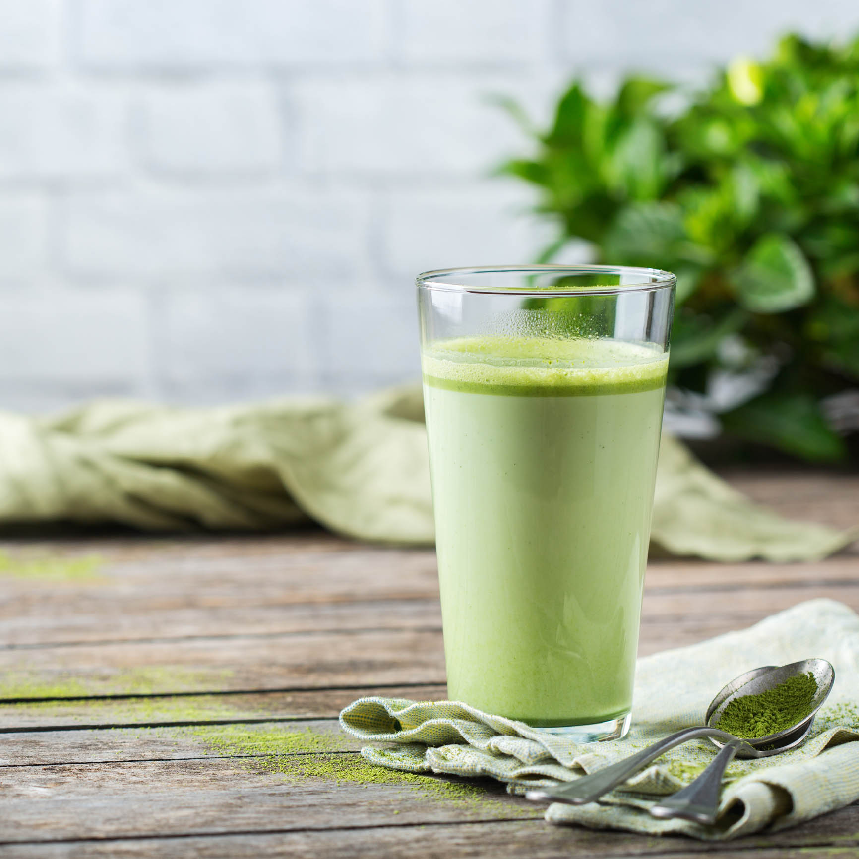 Matcha Green Tea: Health Benefits and Uses for online nutrition coaching and flexible diets